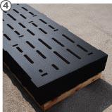 individuell maßgefertigte Spaltenbodenauflagen aus Gummi auf Palette
