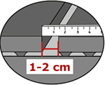 Bei der Montage von KRAIBURG Laufflächenbelägen mit Flushing-Entmistung zwischen den Matten 1-2 cm Abstand halten