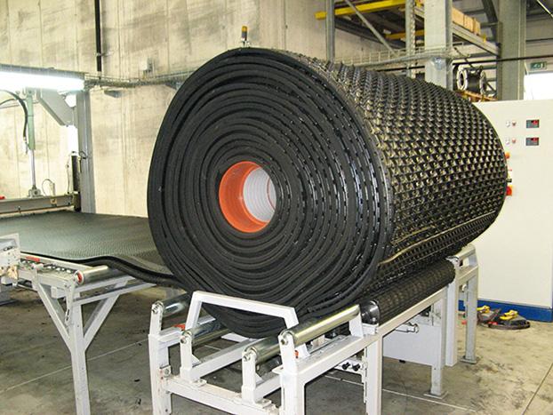 KRAIBURG LongLine-Fertigungsanlage (Liegematte auf Rolle)